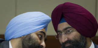 """Malvinder and Shivinder Mohan Singh -""""brother, looks like we're in trouble""""."""
