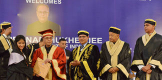 The President, Shri Pranab Mukherjee presented the Merit Certificates to the students, at the Golden Jubilee Convocation of the Indira Gandhi Medical College, at Shimla, Himachal Pradesh on June 03, 2016. The Governor of Himachal Pradesh, Shri Acharya Devvrat and the Chief Minister of Himachal Pradesh, Shri Virbhadra Singh are also seen.