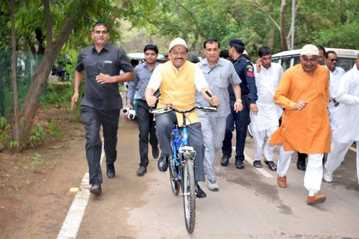 Dr Harsh Vardhan pedalling a part of the way on the venue