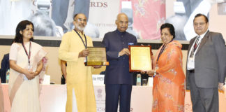 The President, Shri Ram Nath Kovind presenting the National Tourism Awards 2015-16, on the occasion of World Tourism Day, organised by the Ministry of Tourism, in New Delhi on September 27, 2017. The Minister of State for Tourism (I/C) and Electronics & Information Technology, Shri Alphons Kannanthanam and the Secretary, Ministry of Culture and Tourism, Smt. Rashmi Verma are also seen.