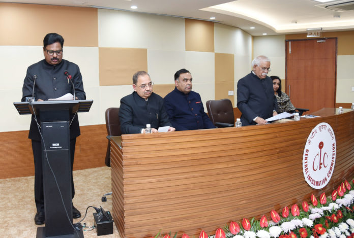 The Chief Information Commissioner, Shri Sudhir Bhargava administering the oath of office to the newly appointed Information Commissioner, Shri Suresh Chandra, in New Delhi on January 01, 2019.