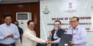 The Minister of State for Labour and Employment (Independent Charge), Shri Santosh Kumar Gangwar at the release of the compendium on Consumer Price Index for Industrial Workers (Vol. I-IV), in New Delhi on March 18, 2021. The Secretary, Ministry of Labour and Employment, Shri Apurva Chandra is also seen.