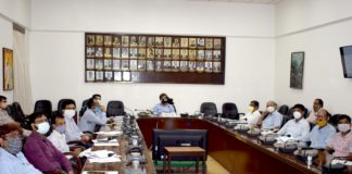 Shri Anupam Sharma, Addl. General Manager, SER holding a preparedness meeting with Senior Officers and Staff at SER Headquarters, Garden Reach today (30-3-2021) on fire hazards