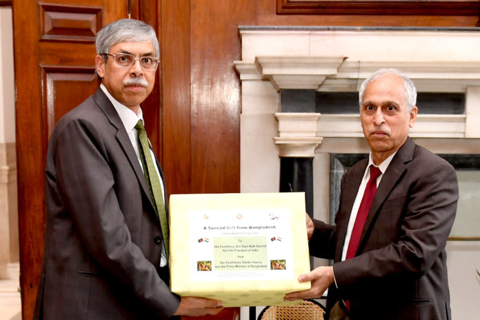 The Prime Minister of Bangladesh has gifted 1000 kgs of mangoes to the Hon'ble President of India