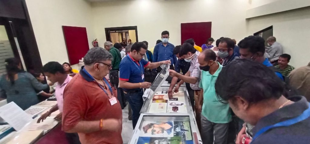 Sale - Autograph Collectors Club of India (Eastern Zone) are organising an Exhibition on Rare and Historical Autographs on paper& different Memorabilia